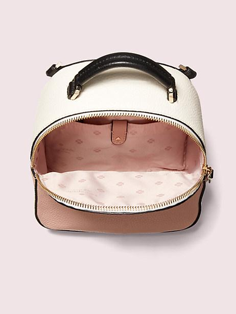 ba-lo-deo-cu-a-kate-spade-new-york-1